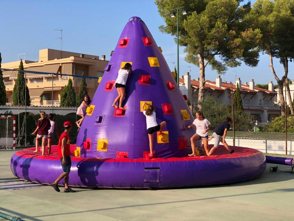 Les Piscines Club Nàutic. Hinchables. Roda de Berà. Tarragona